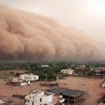 Песчаные бури и наводнения.