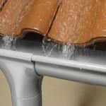 Большое значение водосточных систем при строительсве деревянных домов.
