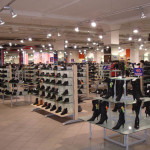 Торговые стеллажи для обувной продукции.