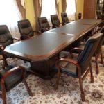 Столы для официальных встреч