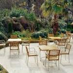 Выбираем столики для летнего кафе